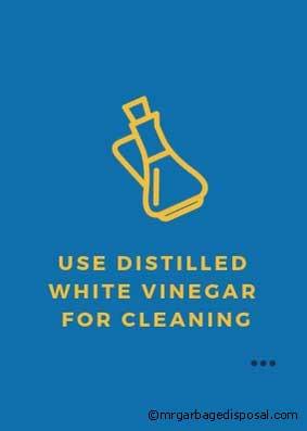 distilled white vinegar for cleaning